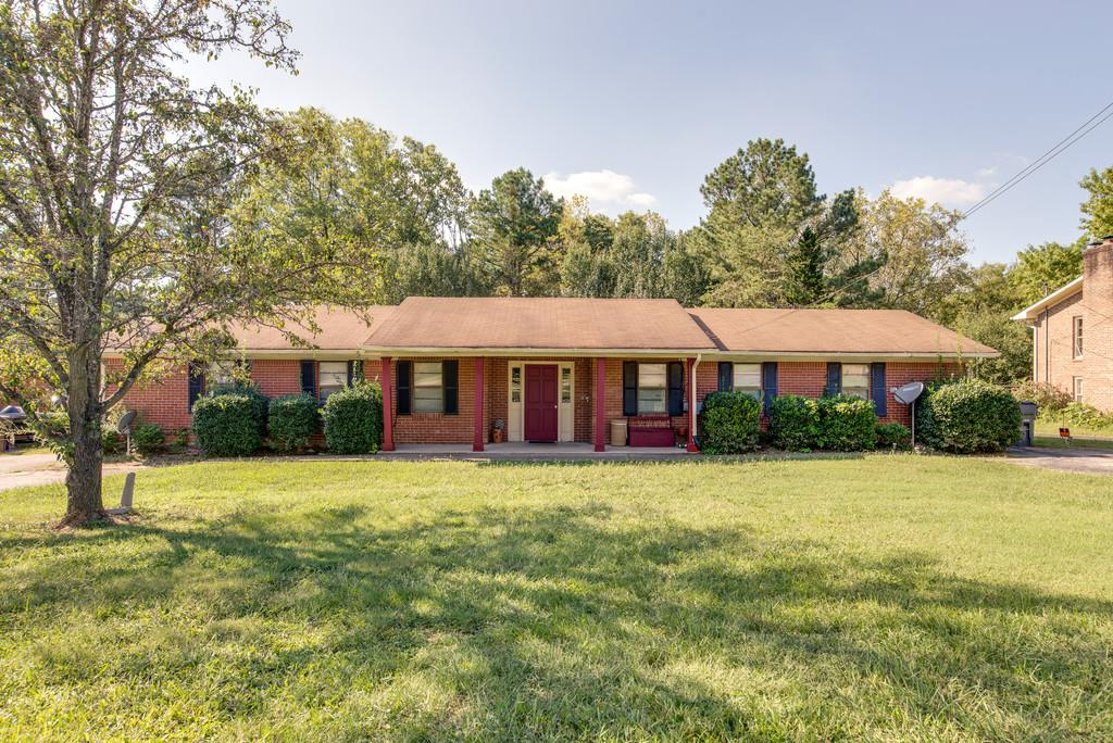 409 Shawnee Dr, Columbia, TN 38401