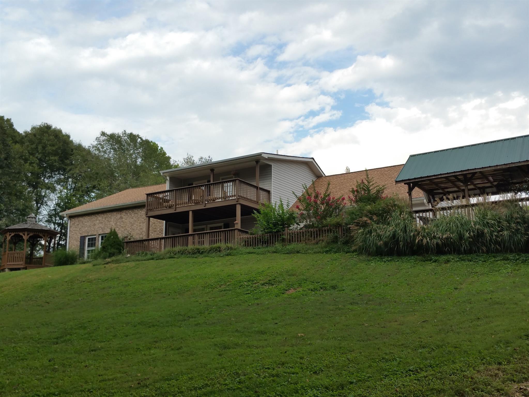 1935 Mcmahan Hollow Rd, Pleasant View, TN 37146
