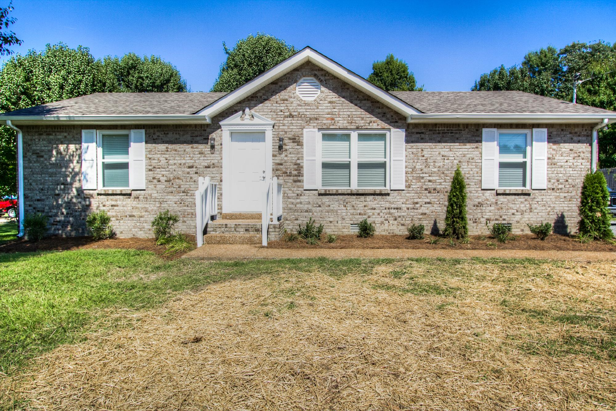 209 Oakdale Dr, White House, TN 37188