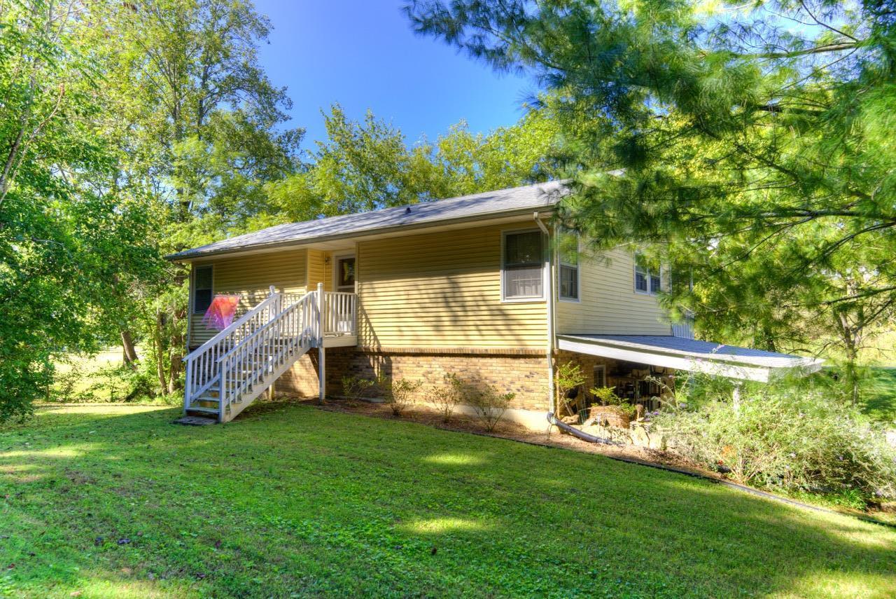 1191 Southerland Rd, Dickson, TN 37055