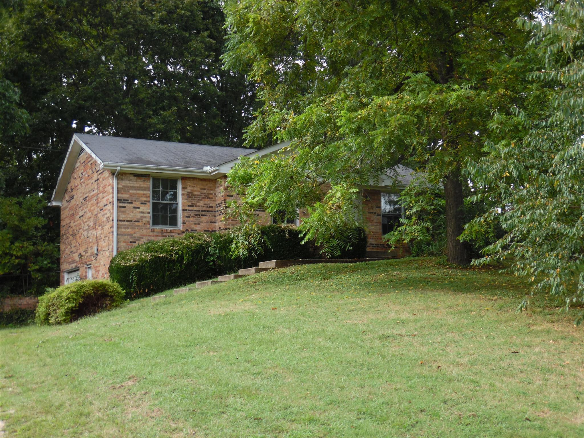 627 Linda Ln, Clarksville, TN 37042