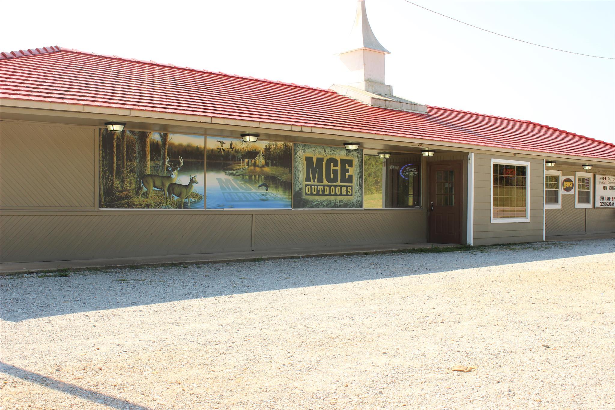 912 Broadway Ave, New Johnsonville, TN 37134
