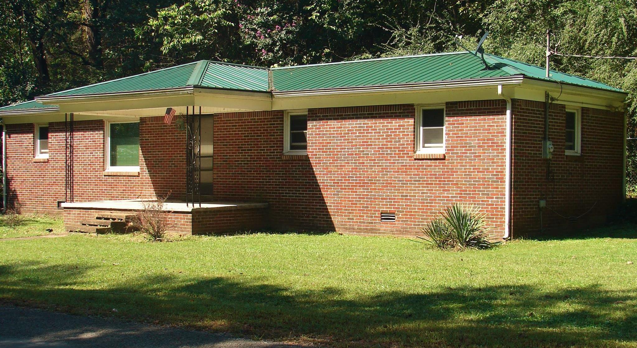 653 Defeated Creek Rd, Centerville, TN 37033