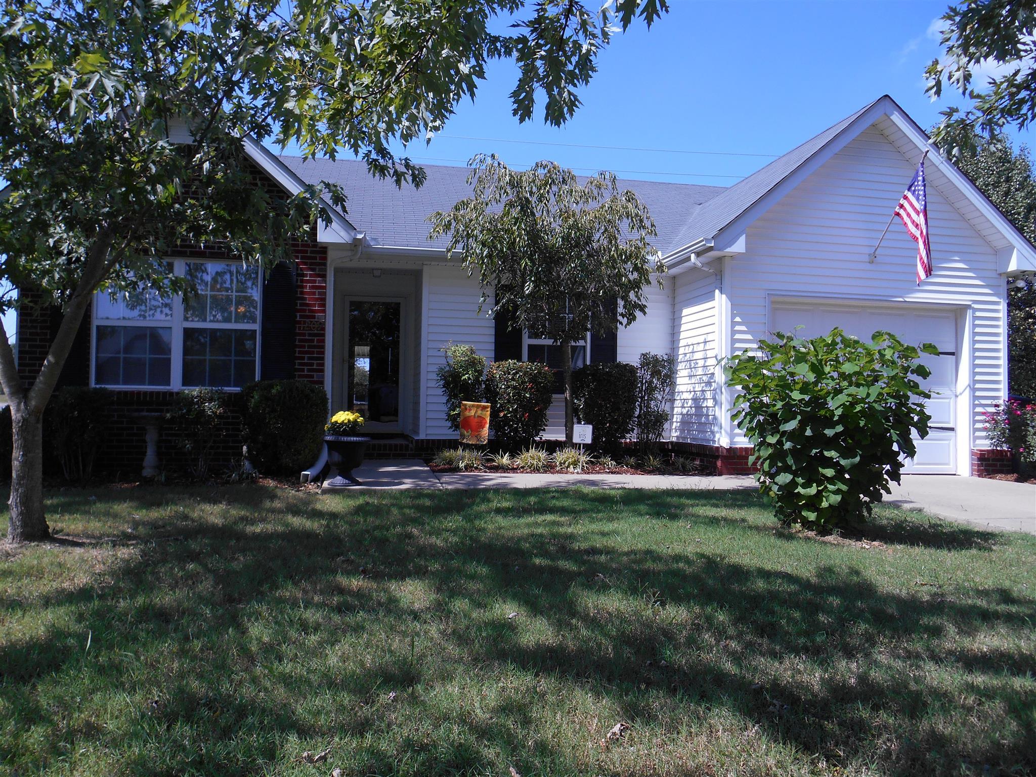 1209 Red Oak Ct, Murfreesboro, TN 37130