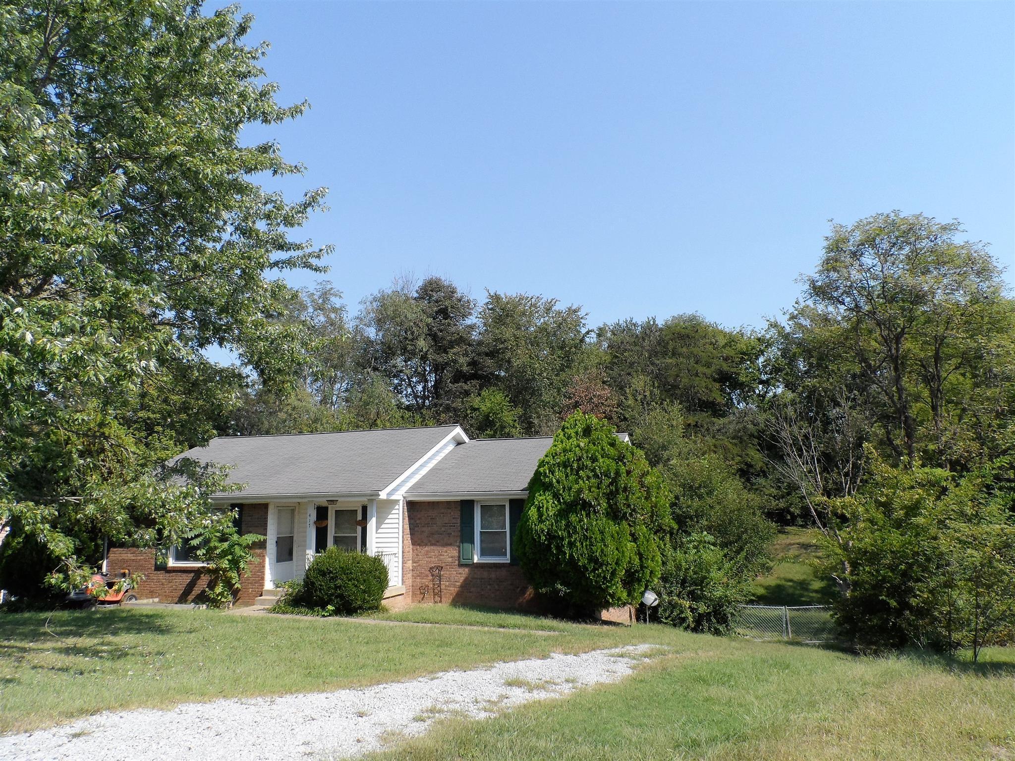 417 Beasley Dr, Clarksville, TN 37042