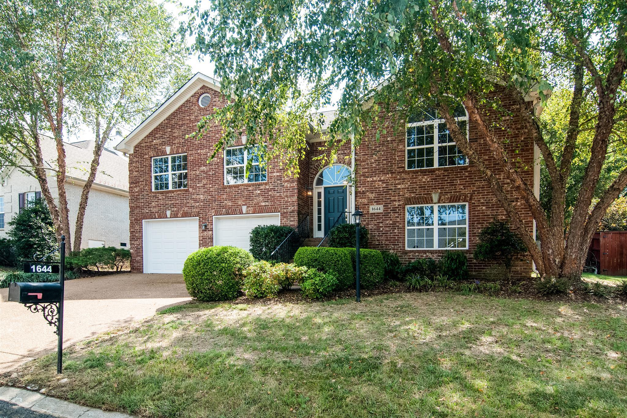 1644 Glenridge Dr, Bellevue in Davidson County County, TN 37221 Home for Sale