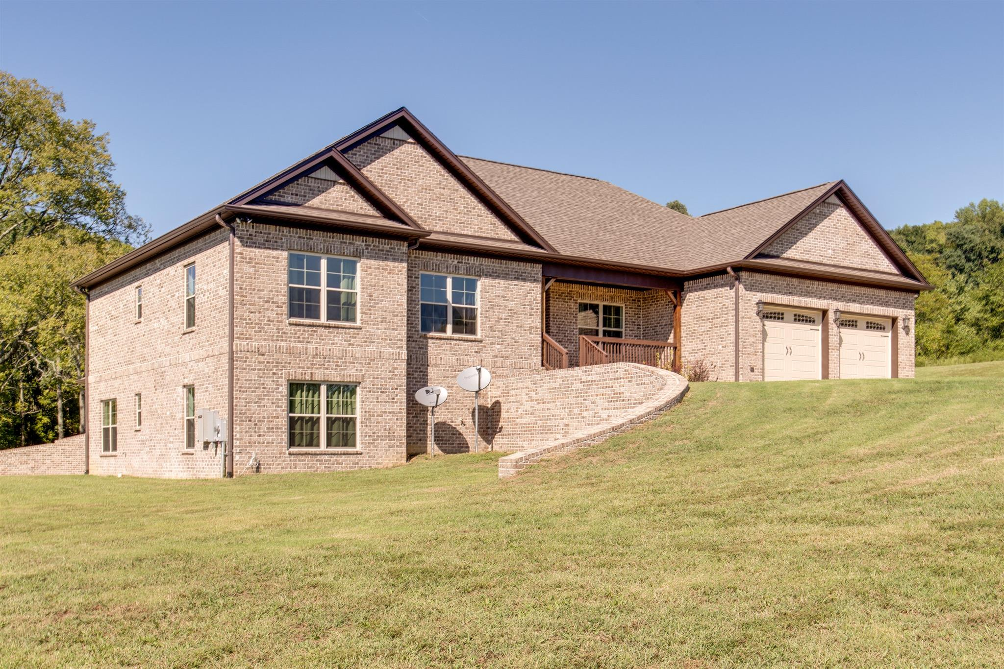 4225 Fairview Rd, Columbia, TN 38401