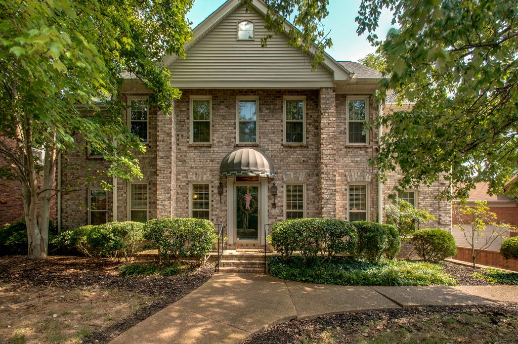 608 CHELMSFORD PLACE, Forest Hills in Davidson County County, TN 37215 Home for Sale