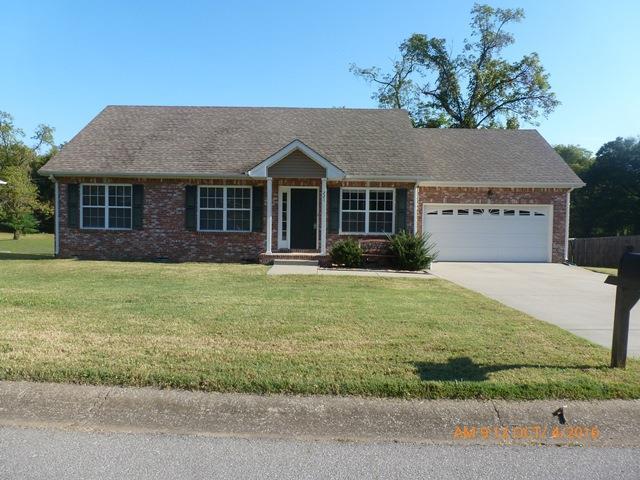 221 Raintree Dr, Clarksville, TN 37042