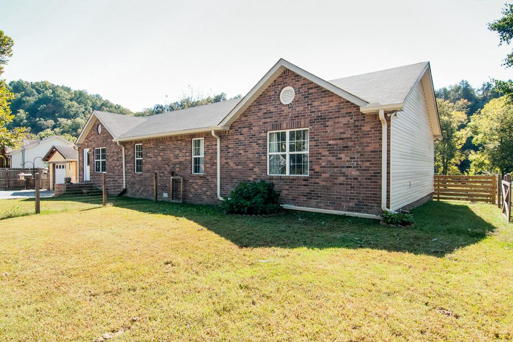 5586 Zapata Dr, Pegram, TN 37143