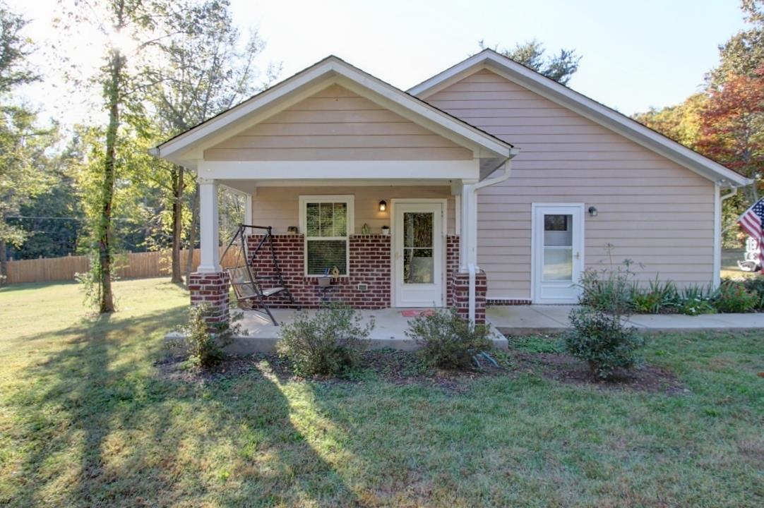 641 Thompson Rd, Pegram, TN 37143