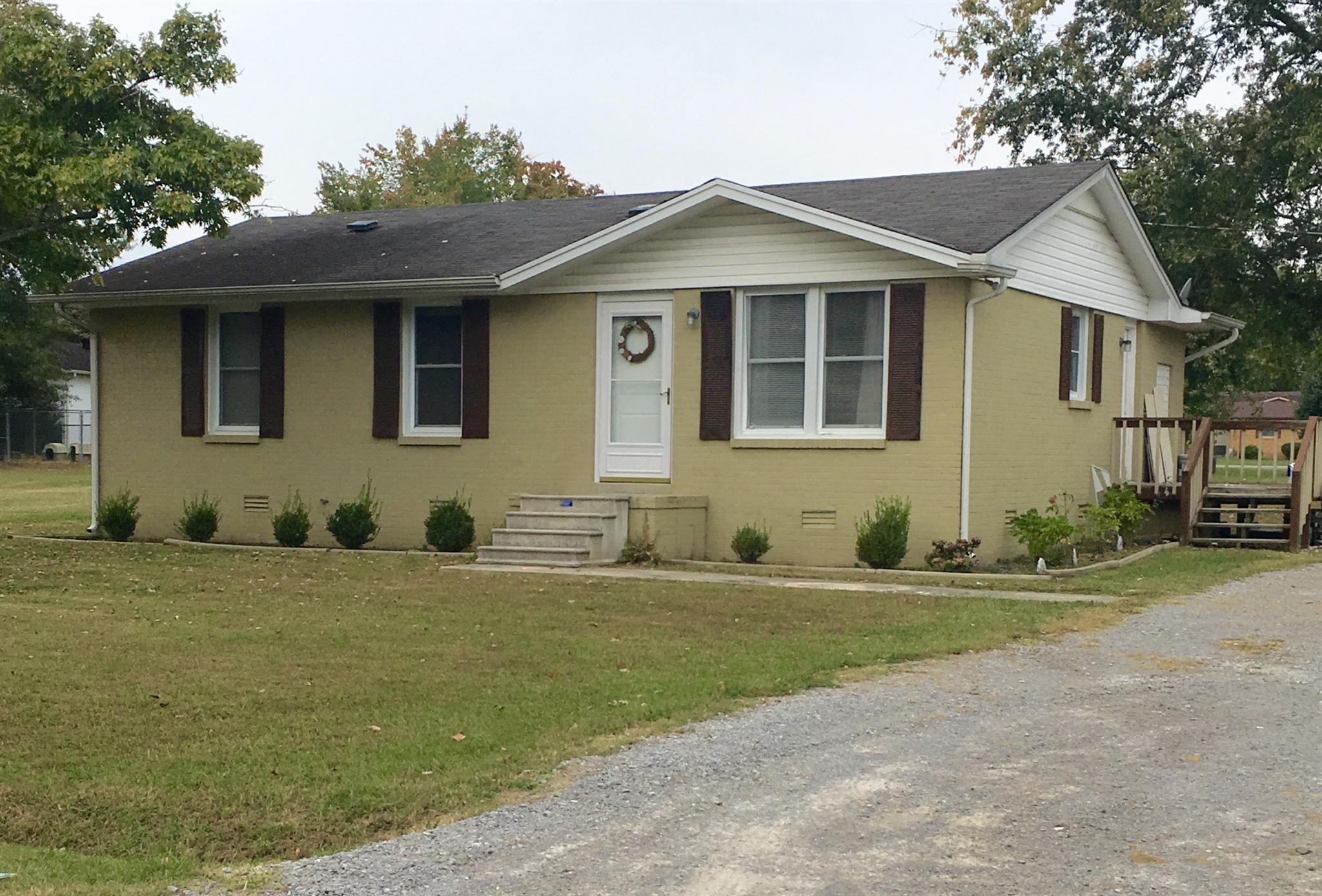827 Je Evins Ave, Smithville, TN 37166