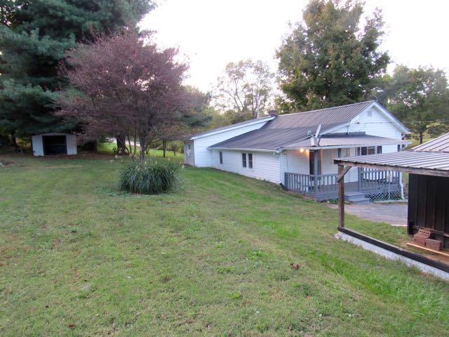 6869 Carthage Rd, Pleasant Shade, TN 37145