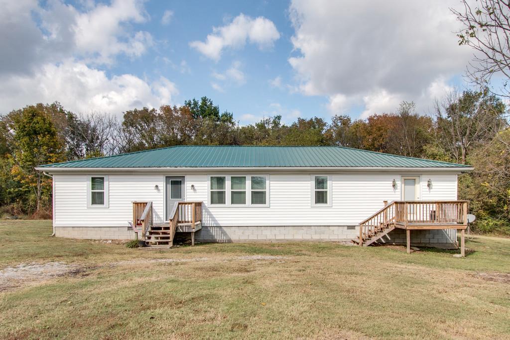 319 Hogan Rd, Gordonsville, TN 38563