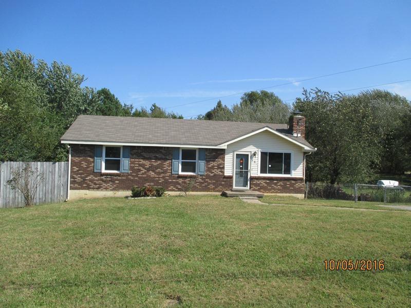 919 Garrettsburg Rd, Clarksville, TN 37042