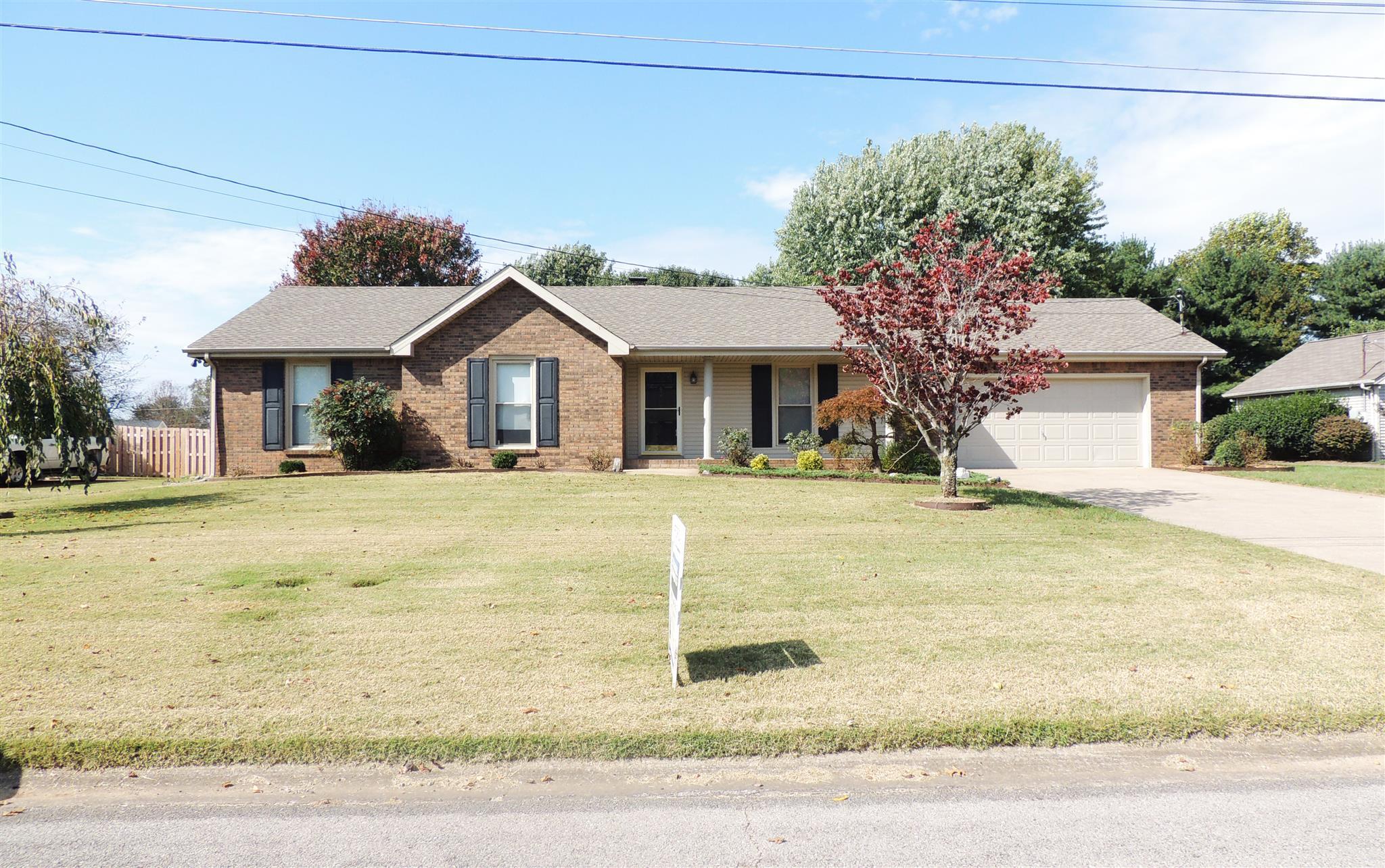 520 Windsor Dr, Clarksville, TN 37043