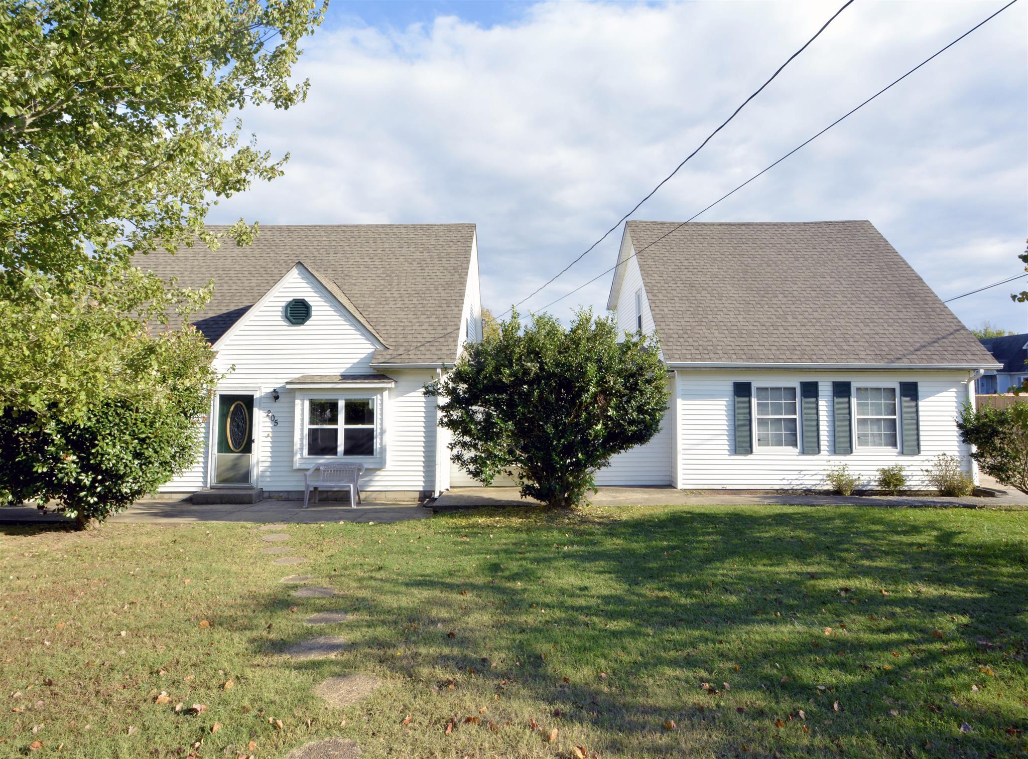 205 New Gritton Ave, Oak Grove, KY 42262
