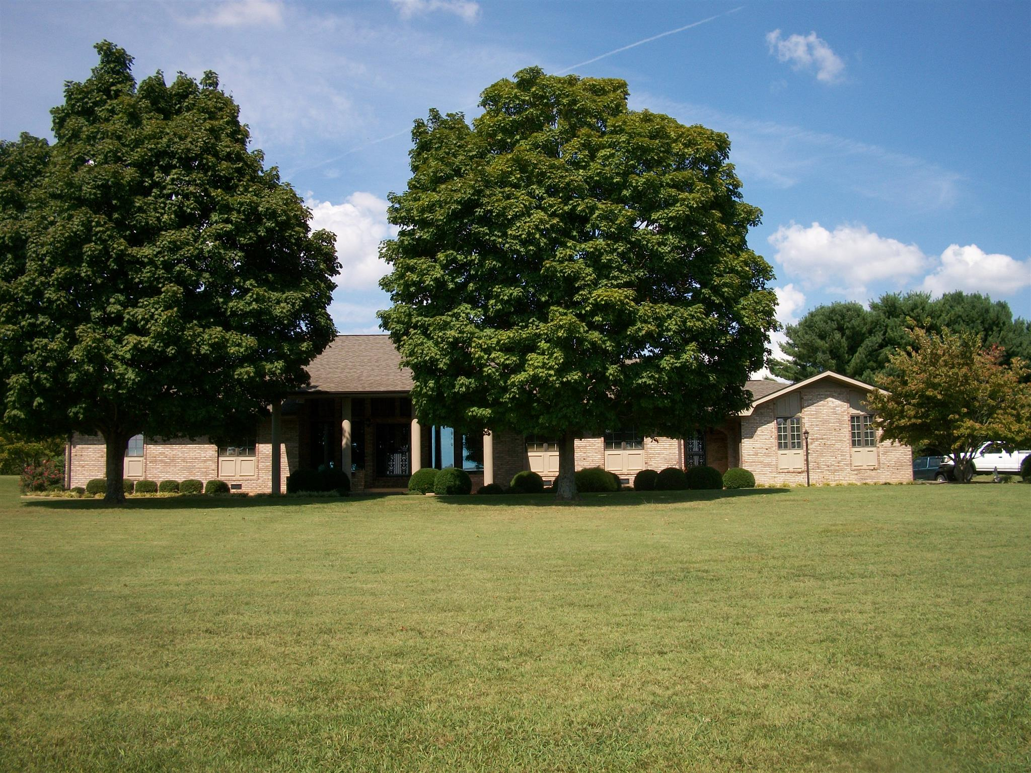 321 Lakeview Way, Winchester, TN 37398