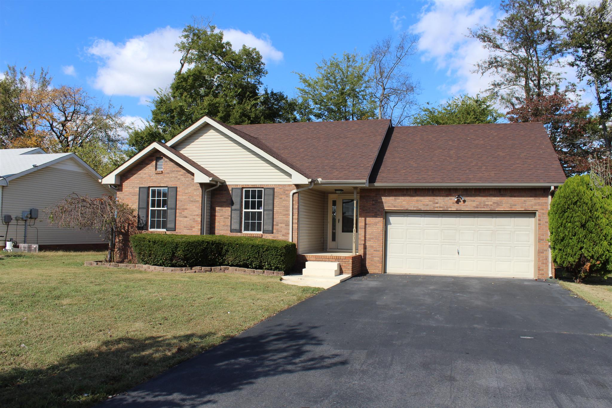 3239 N Senseney Cir, Clarksville in Montgomery County County, TN 37042 Home for Sale