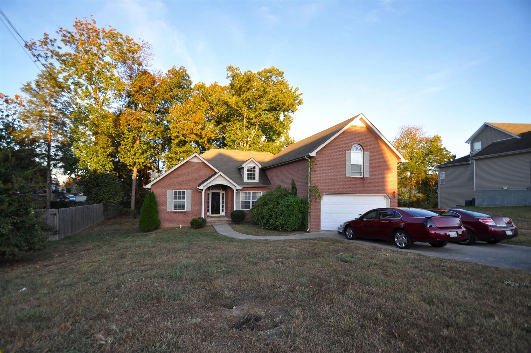 139 Mary Joe Martin Dr, La Vergne, TN 37086