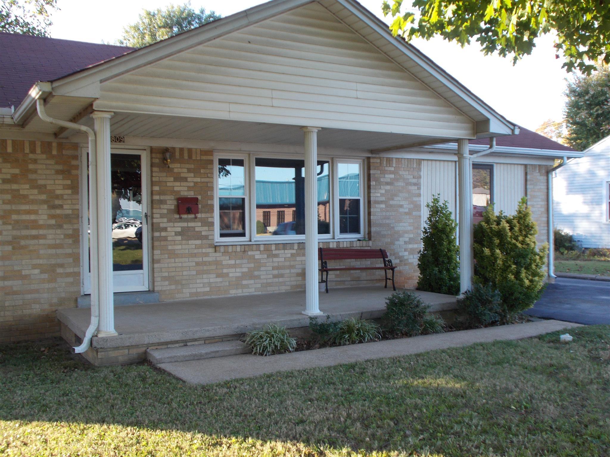 809 N Military Ave, Lawrenceburg, TN 38464