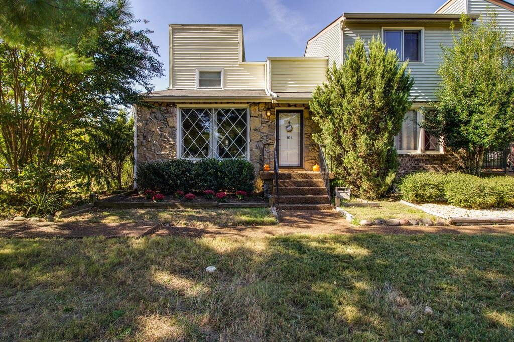 Photo of 101 Clearfield Dr  Brentwood  TN