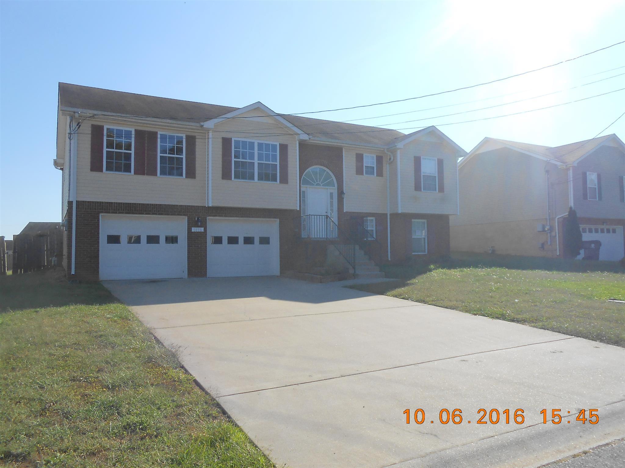 1416 Addison Dr, Clarksville, TN 37042