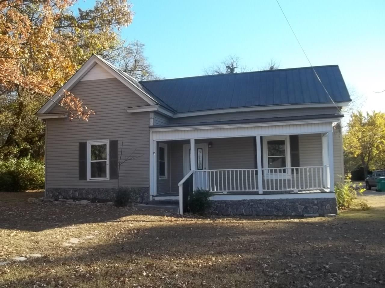 Photo of 407 Belfast St  Lewisburg  TN