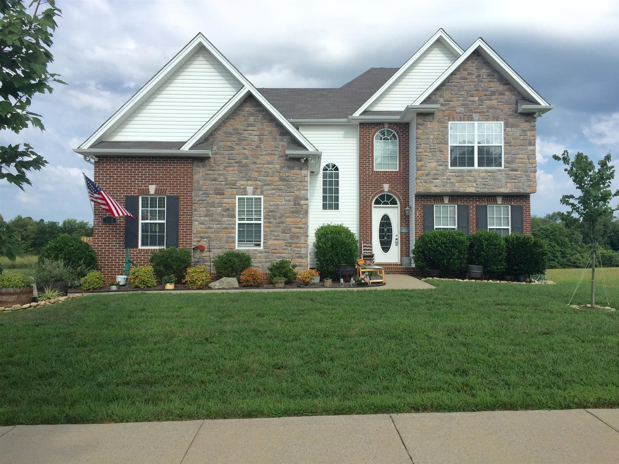 Photo of 310 Misty Dr  Pleasant View  TN