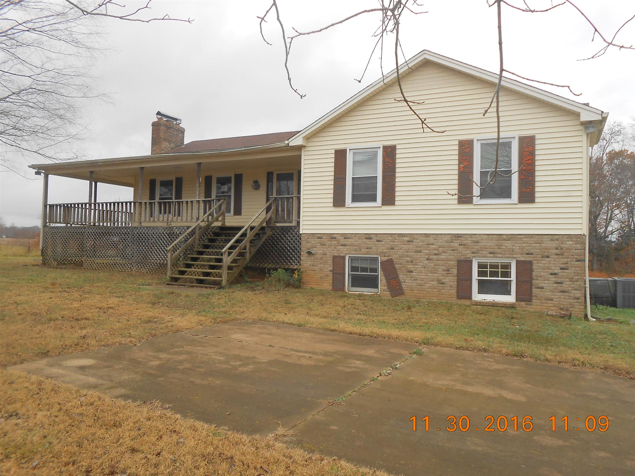 8953 New Chapel Rd, Springfield, TN 37172