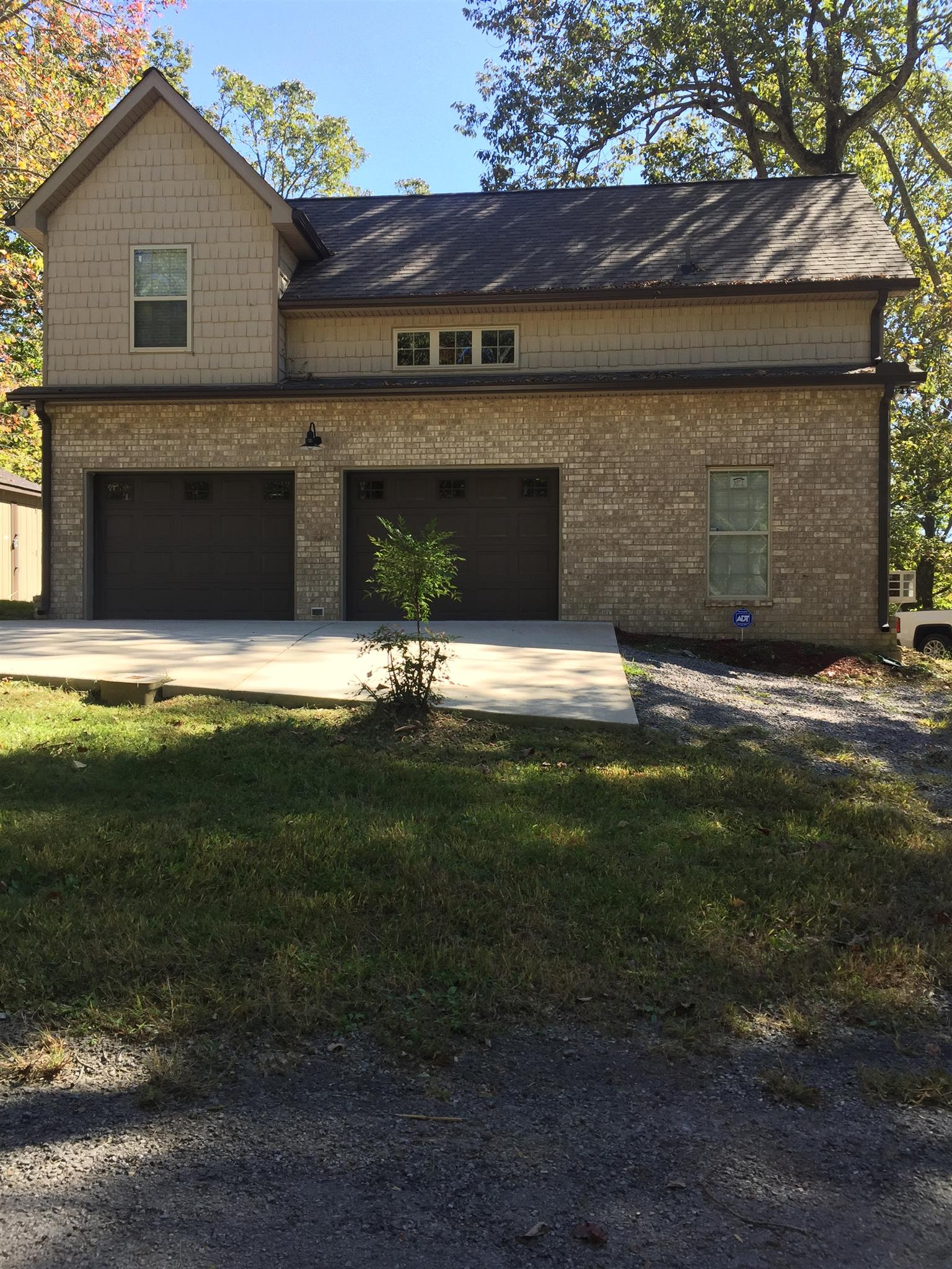 251 Oak Dr, Smithville, TN 37166