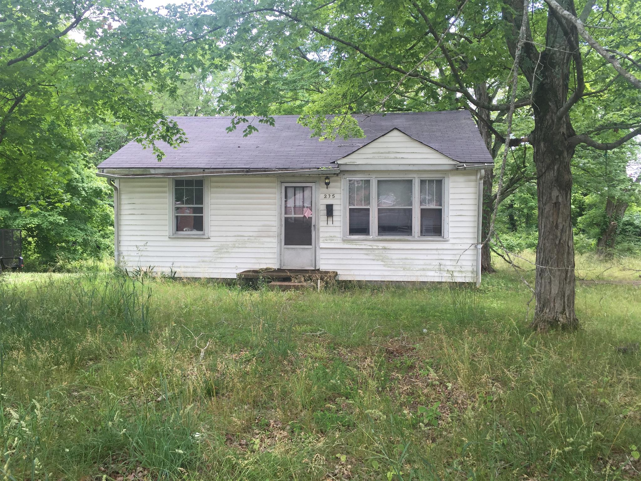 Photo of 235 Caldwell Ln  Clarksville  TN