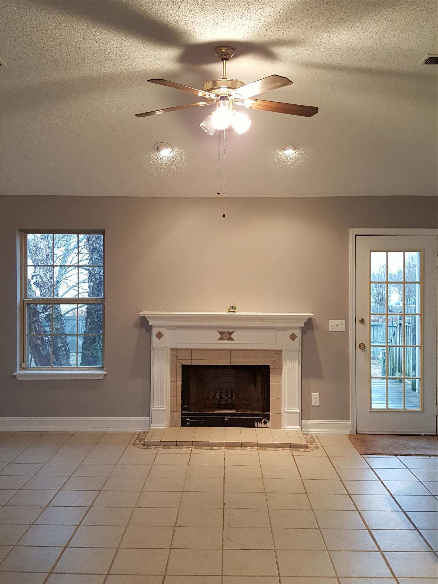Photo of 304 Lake Forest Dr  LaVergne  TN