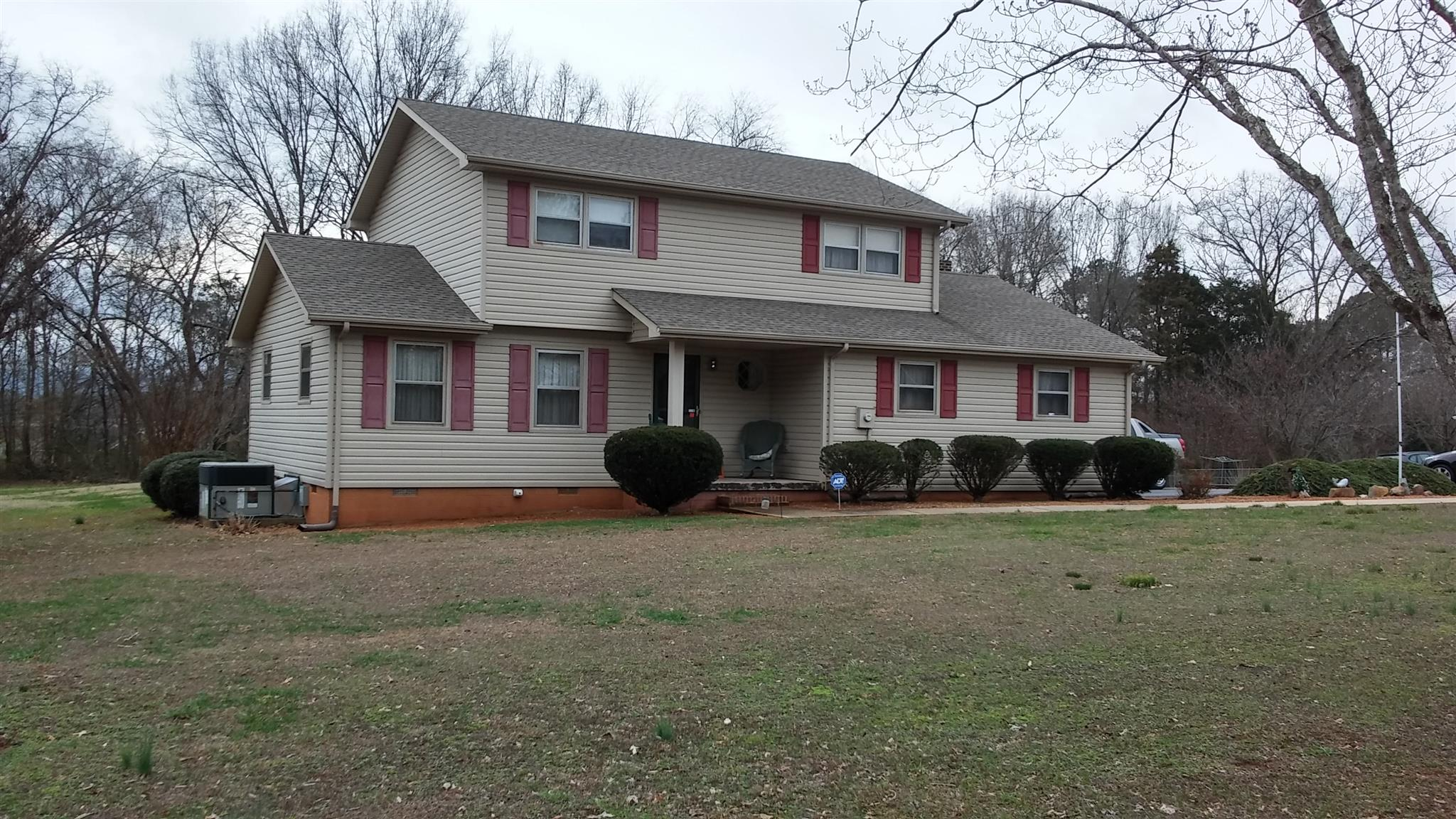 Photo of 224 Woodcrest Dr  Winchester  TN