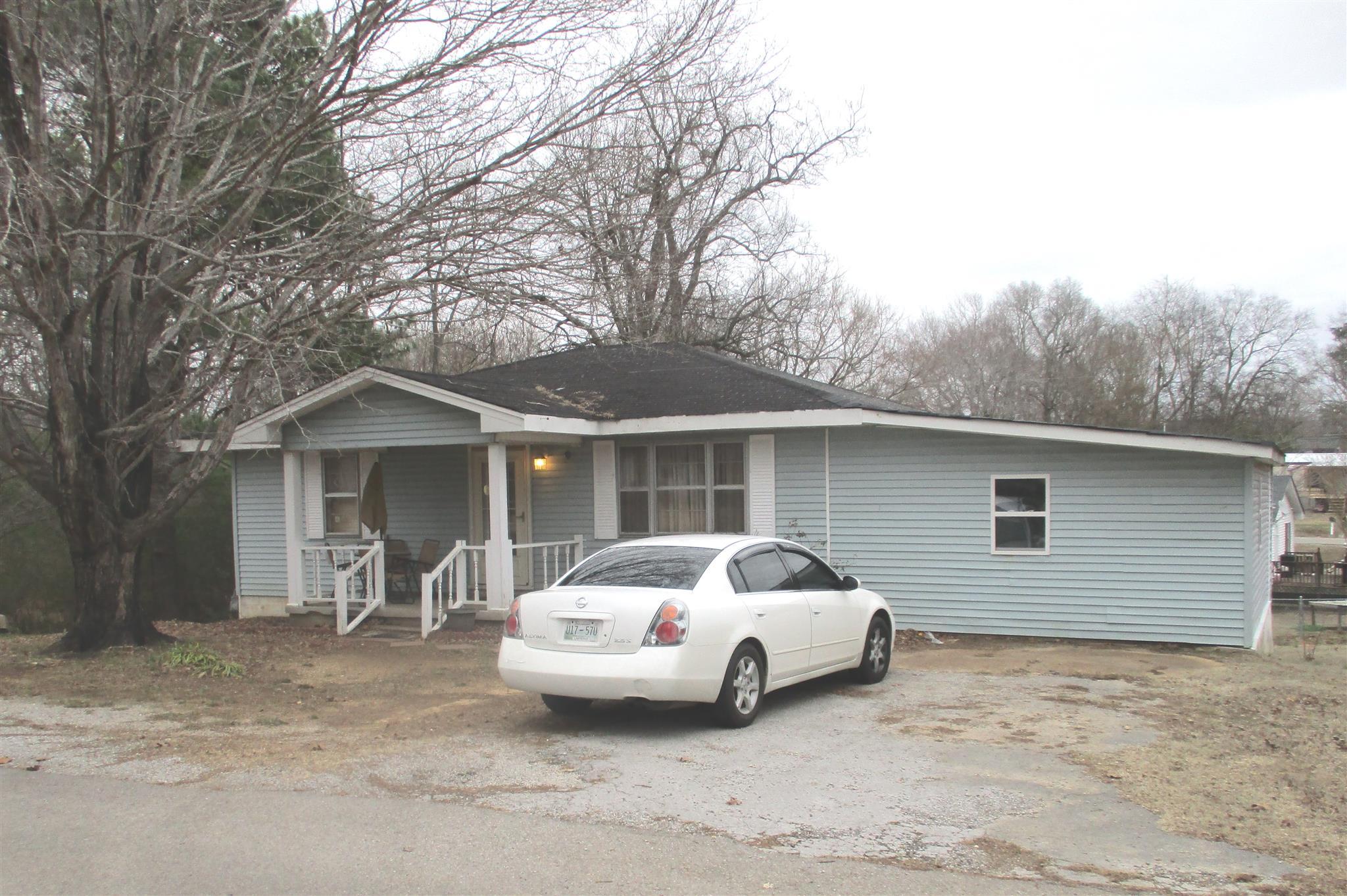 Photo of 407 Oak Ave  Saint Joseph  TN