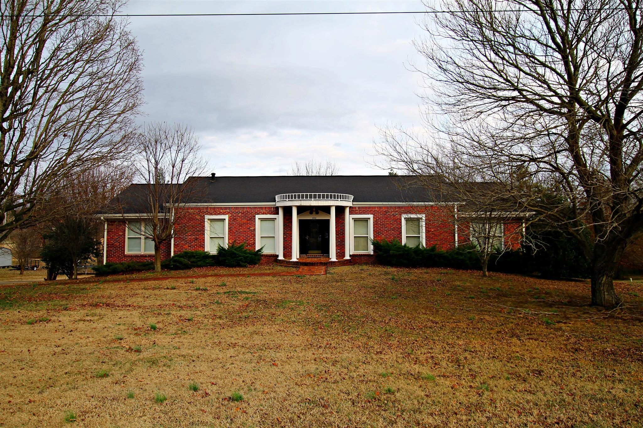 302 Fairway Trl, Springfield, TN 37172