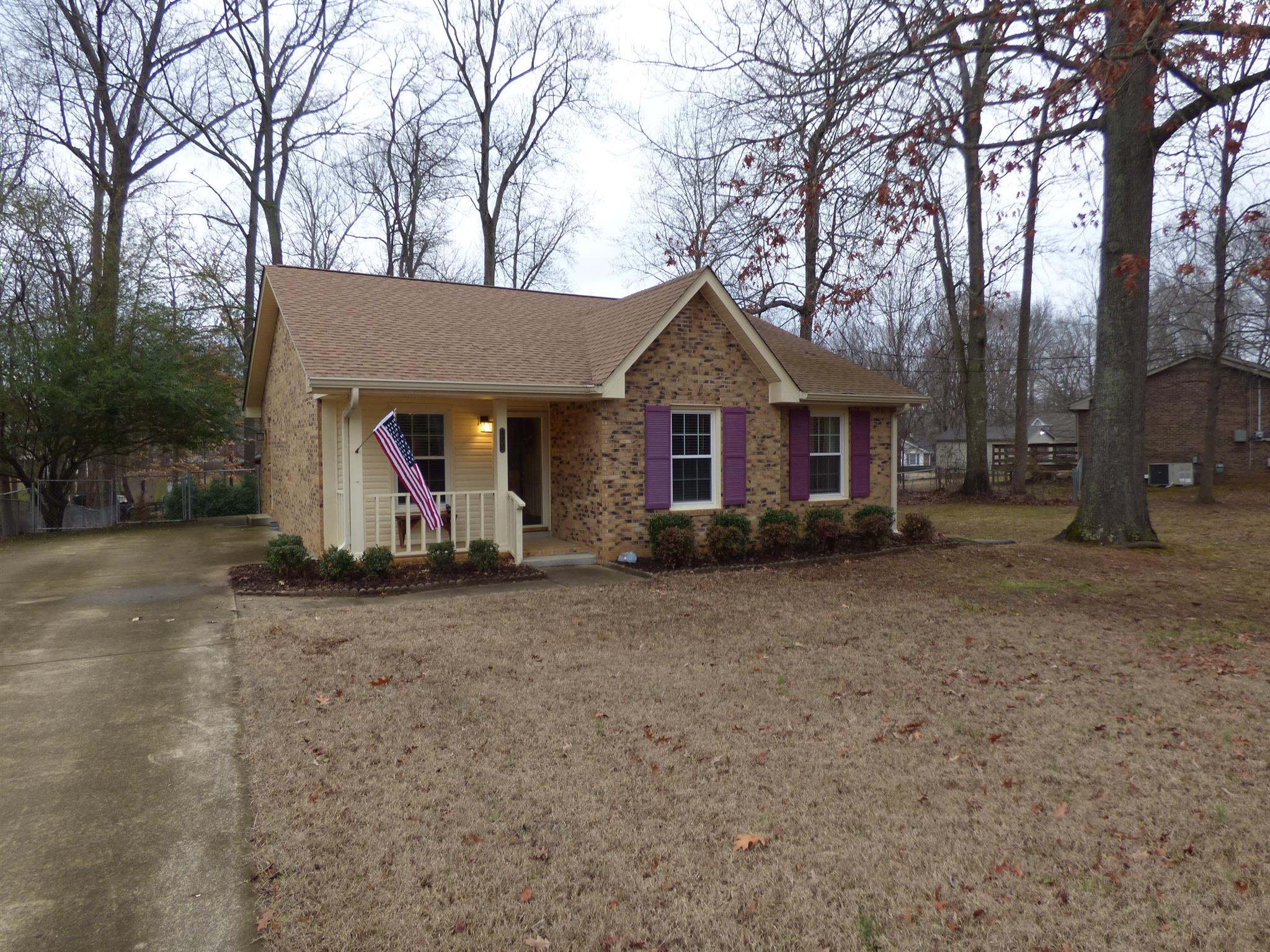 172 W Regent Dr, Clarksville in Montgomery County County, TN 37043 Home for Sale