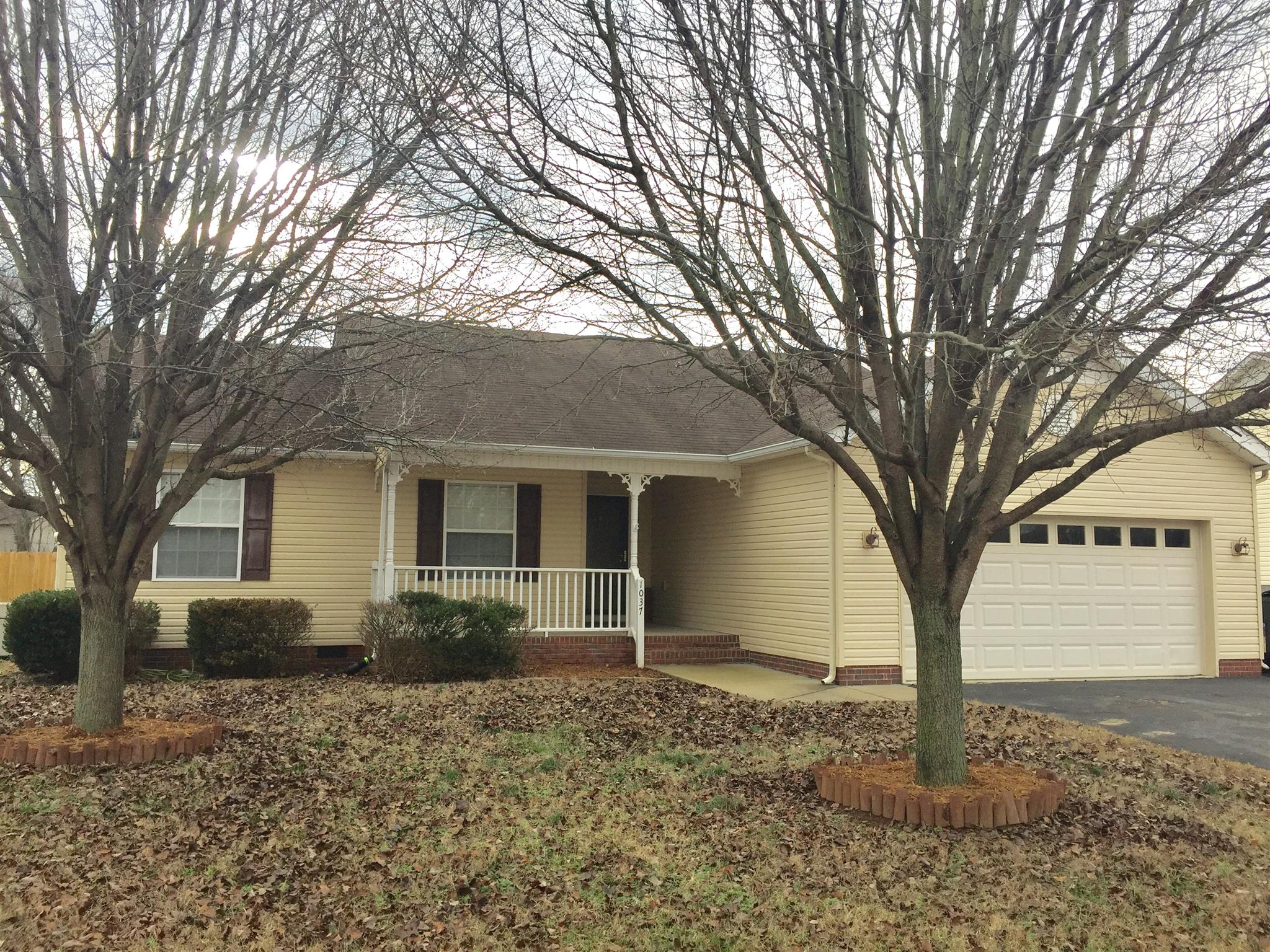 Photo of 1037 Creekview Dr  Columbia  TN