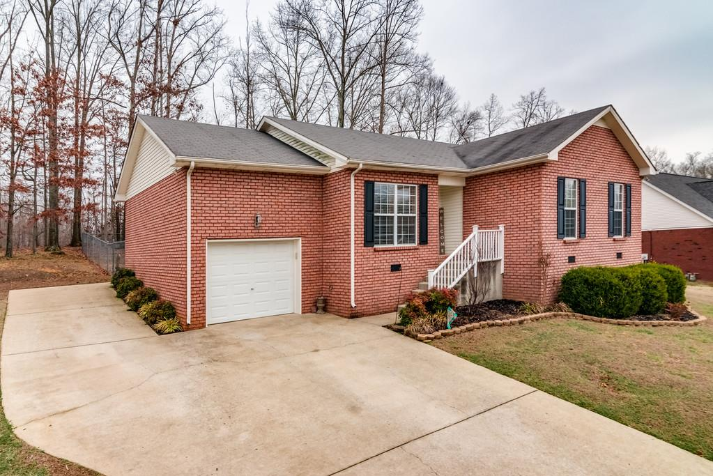 Photo of 4038 Bedwell Dr  Greenbrier  TN