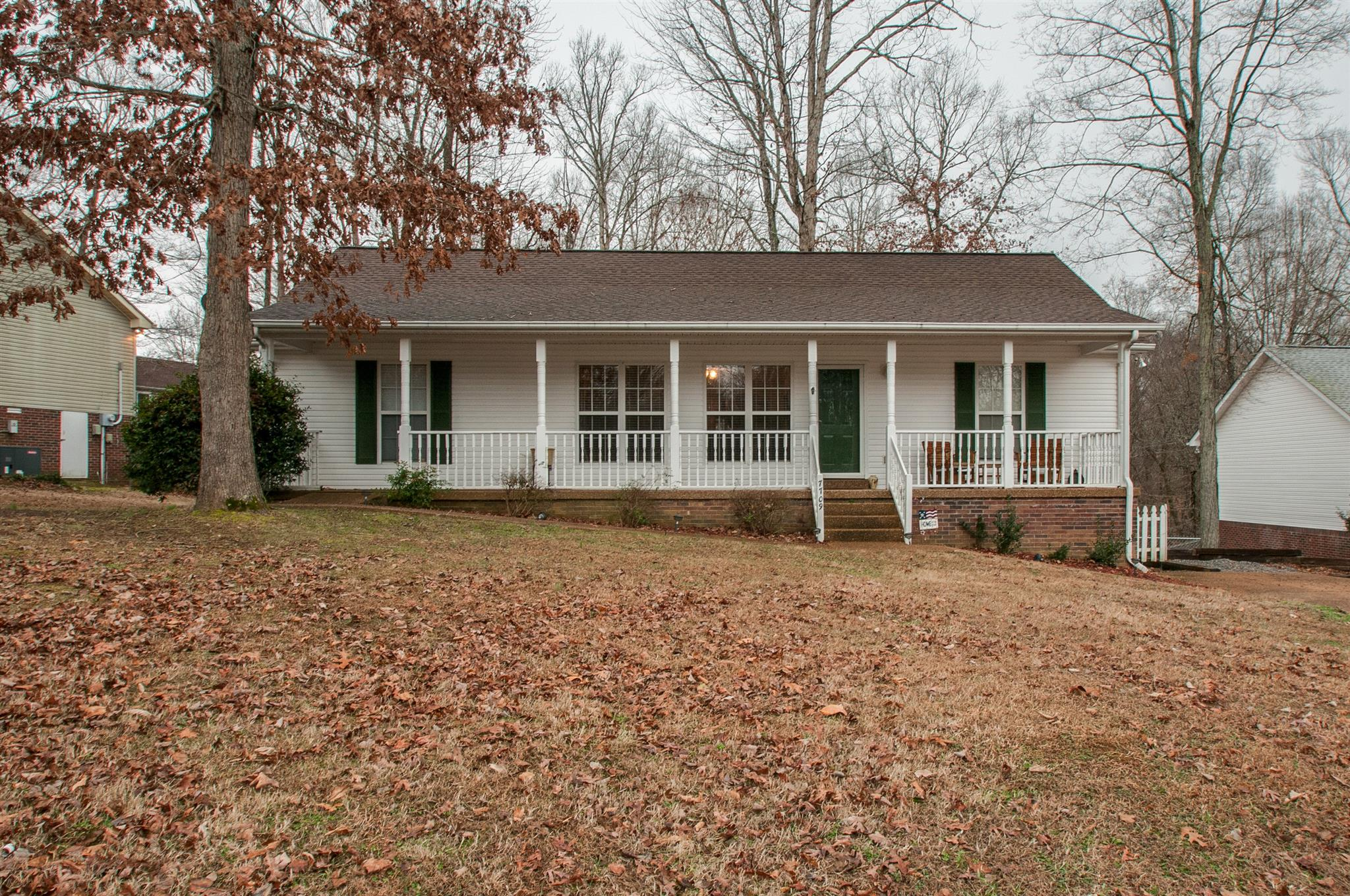 Photo of 7709 Hudlow Ct  Fairview  TN