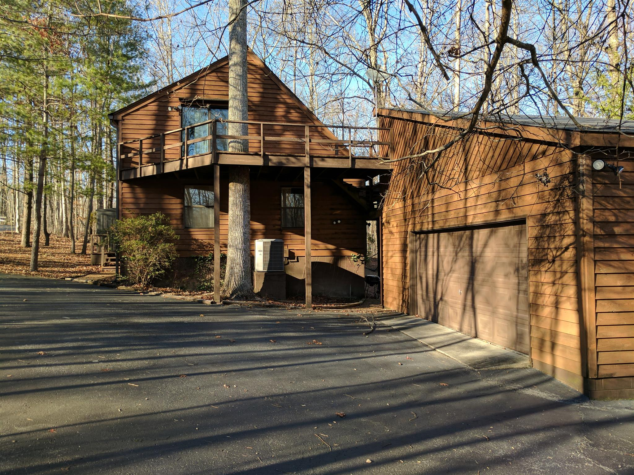 Photo of 1024 Red Oak Dr  Monteagle  TN