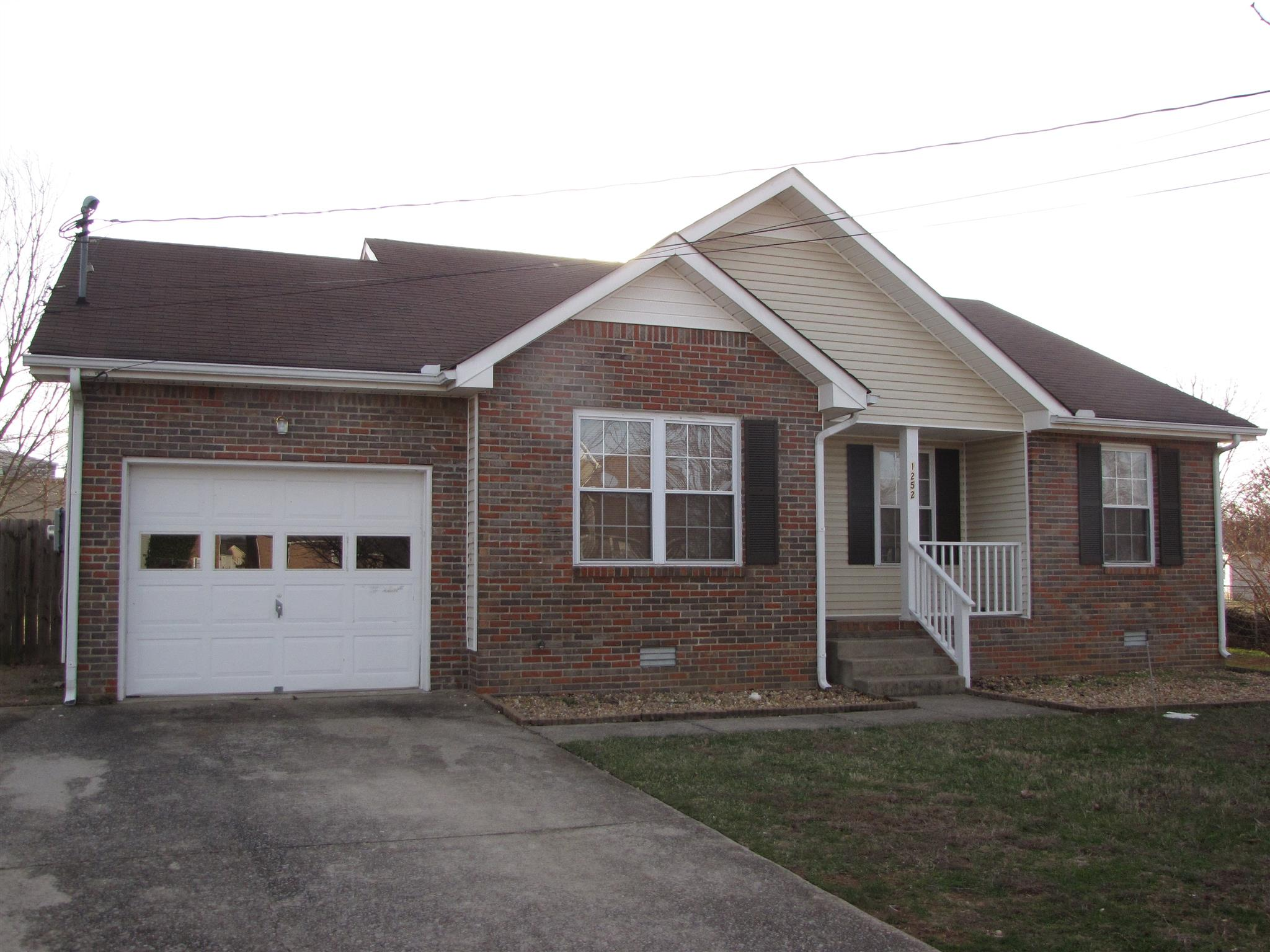 1252 Weeping Willow Dr, Clarksville, TN 37042