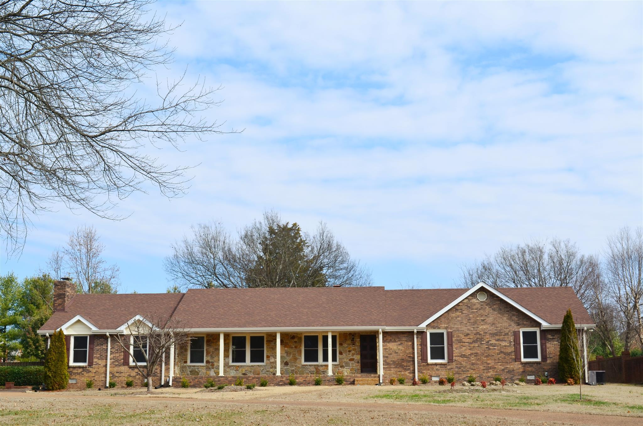 143 Bluegrass Dr, Hendersonville, TN 37075