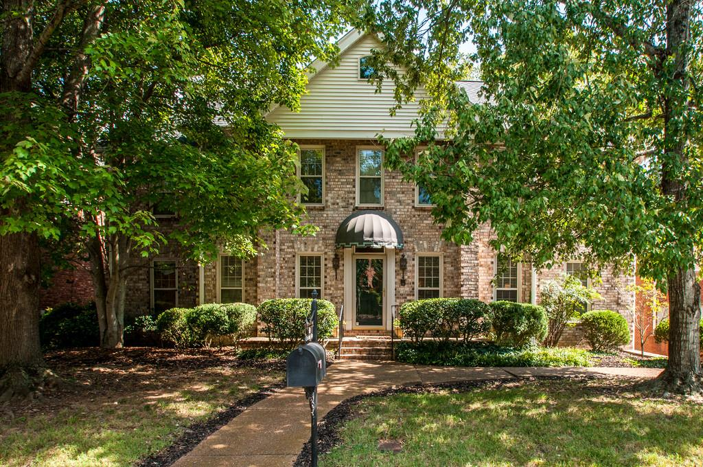 Photo of 608 CHELMSFORD PLACE  Nashville  TN