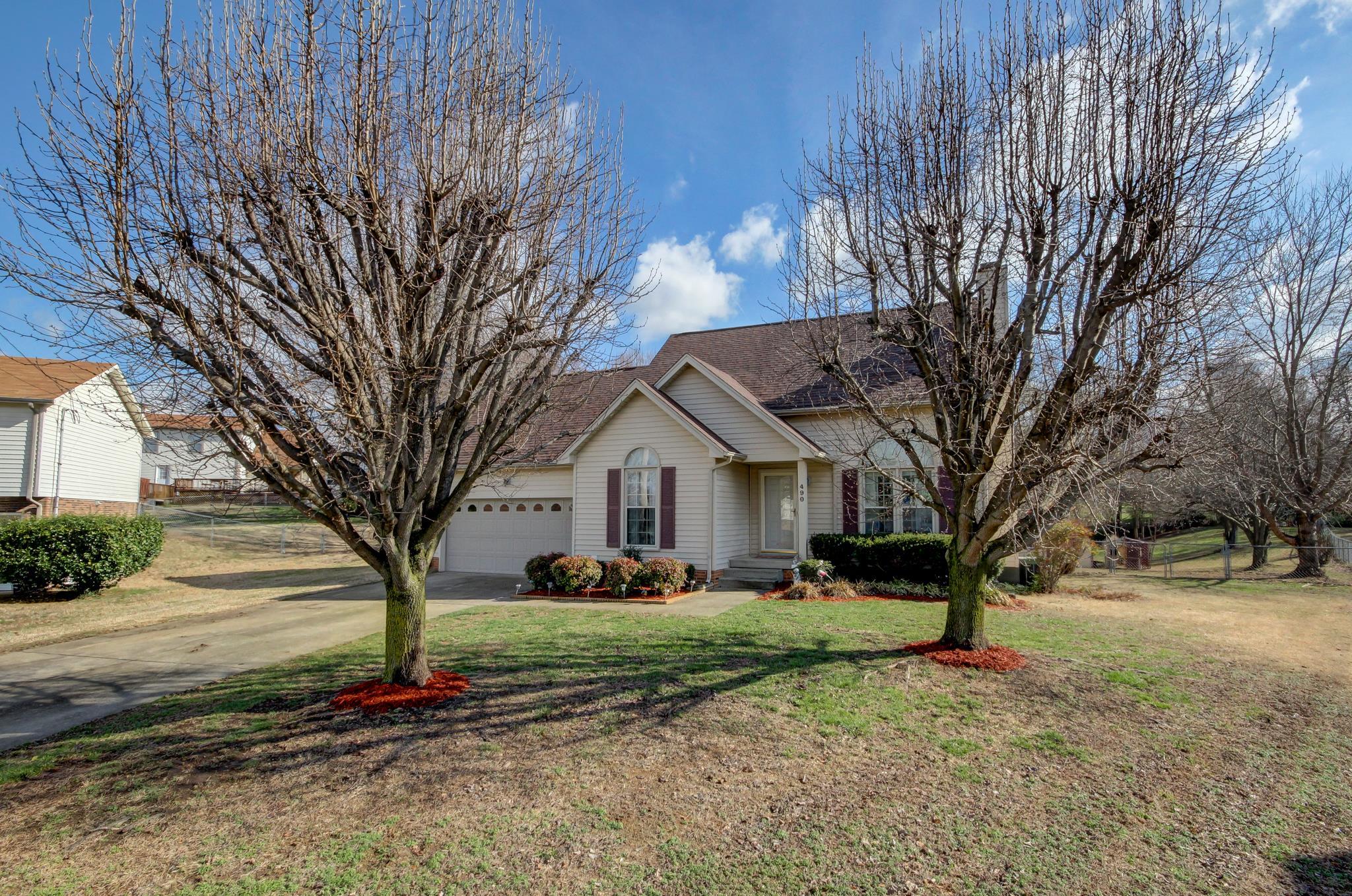 490 Steffi St, Clarksville, TN 37040