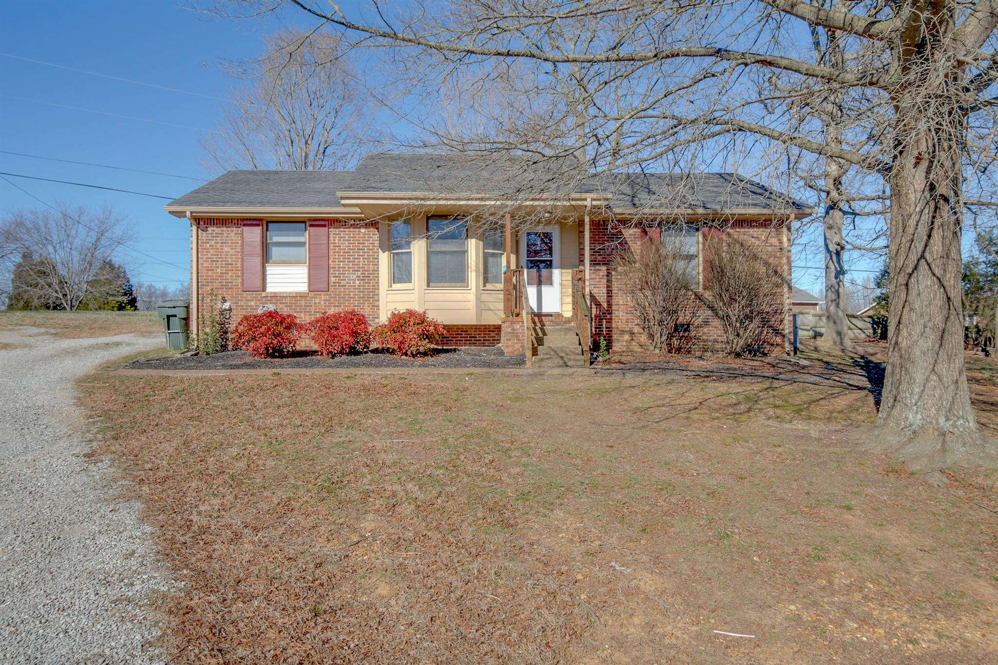 Photo of 3908 N Lincoya Ct  Springfield  TN