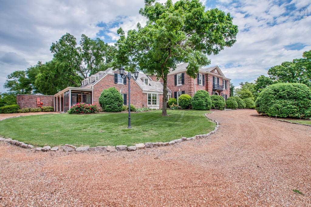 Site Built, Traditional - Brentwood, TN (photo 4)