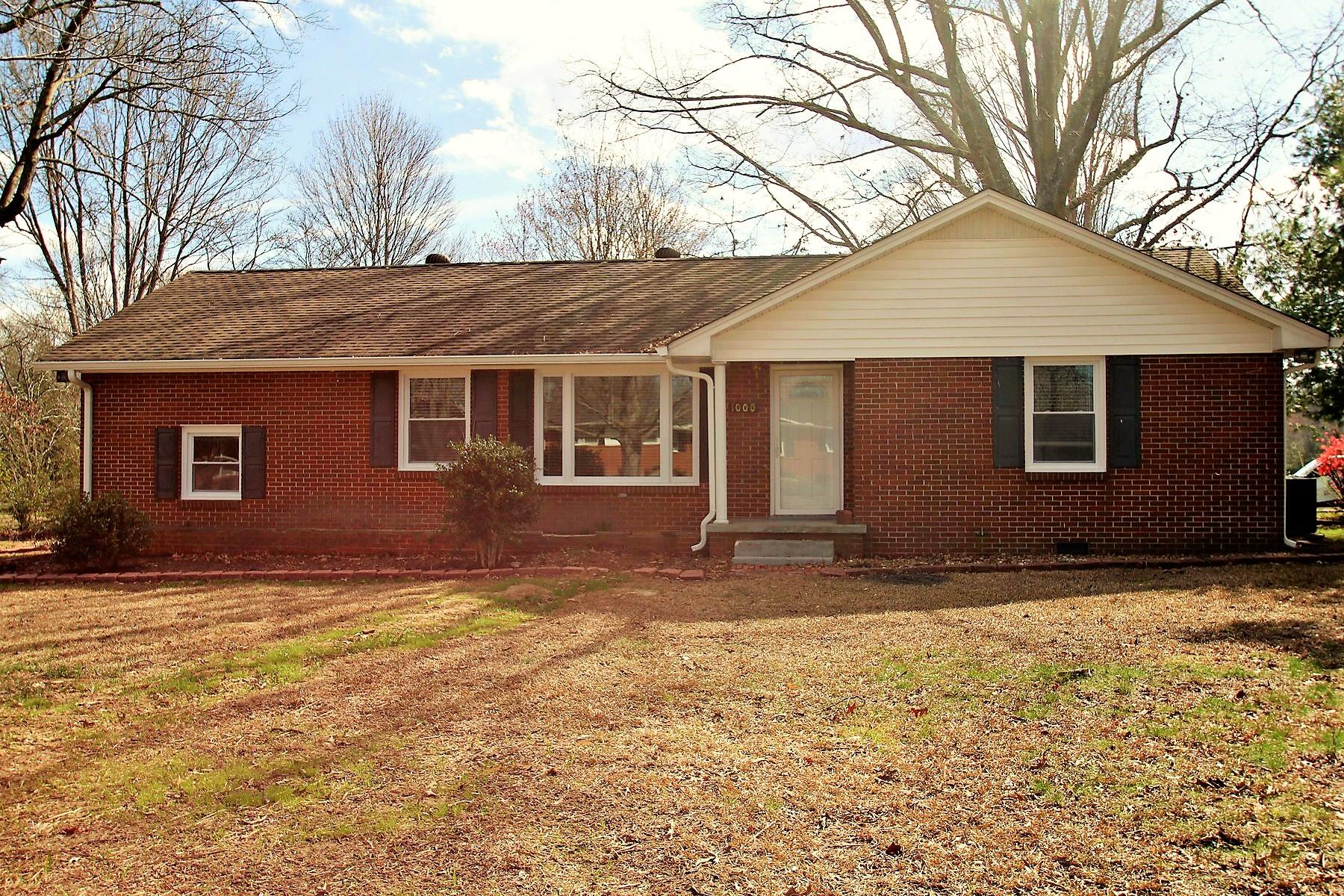 Photo of 1000 Oak Dr  Manchester  TN