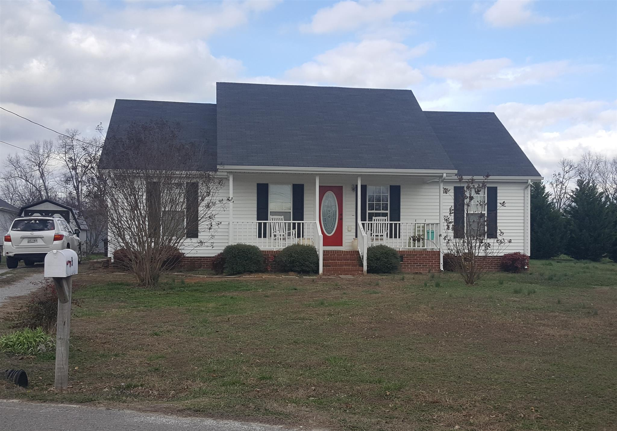 Photo of 5 Crescent Dr  Fayetteville  TN