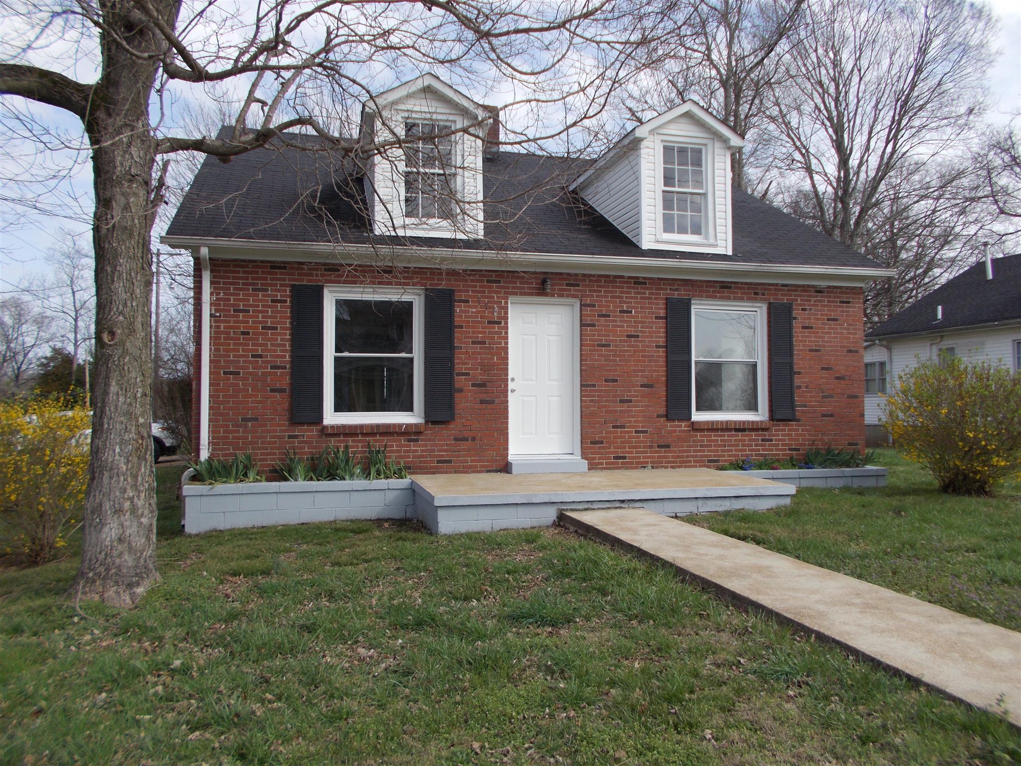 Photo of 330 Jackson Ave  Lawrenceburg  TN